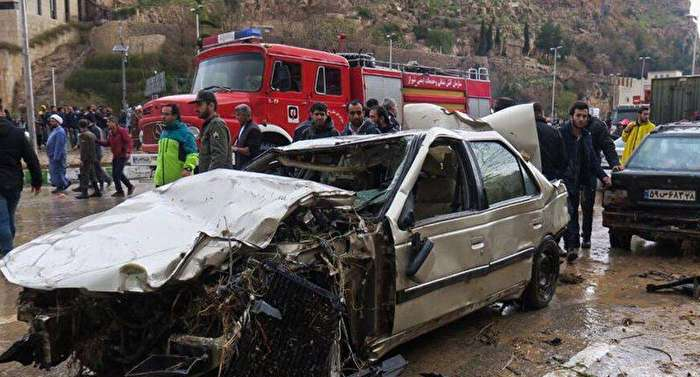 سیل به شیراز رسید/ ۱۷ نفر کشته و ۴۴ مصدوم بستری هستند/ بارش شدید در راه است