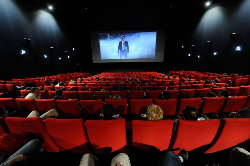 سینماهای استانهای سیل زده تا ۵ روز نیمبها هستند