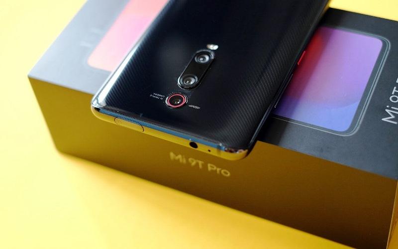 مد جدید گوشیهای موبایل: دوربین سلفی مکانیکی