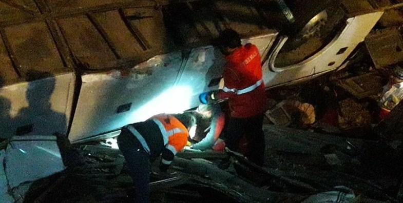 سقوط مرگبار اتوبوس به دره در جاده فیروزکوه