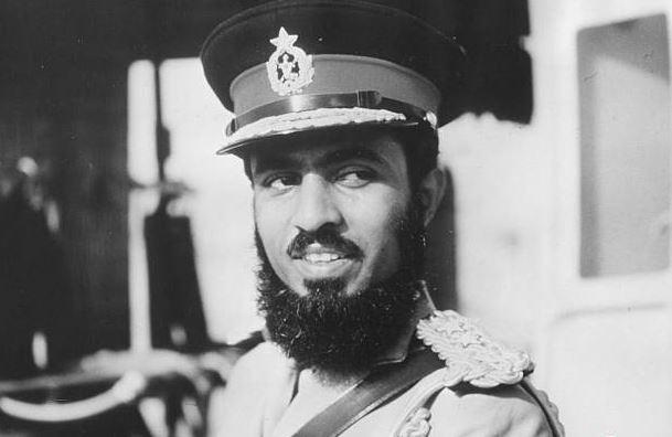 سلطان قابوس؛ نیم قرن سلطنت در منطقه ای همیشه بحرانی