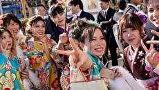 (تصاویر) جشن ۲۰ سالگی دختران ژاپن