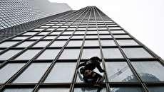 (تصاویر) مرد عنکبوتی از آسمانخراش توتال بالا رفت