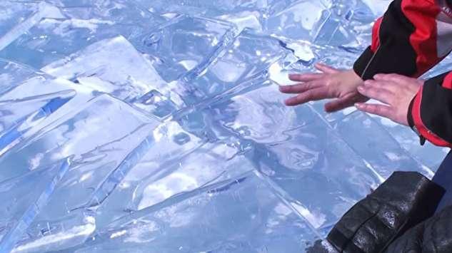 اجرای موسیقی زنده با یخ