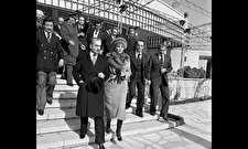 روزی که محمدرضا پهلوی با چشمانی اشکبار از ایران فرار کرد