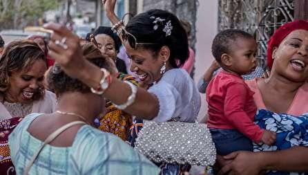 ریخت و پاش عجیب در عروسی به سبک مردم کومور