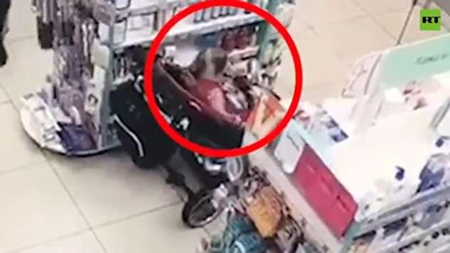 دزدی خانوادگی با همراهی کودک سه ساله!