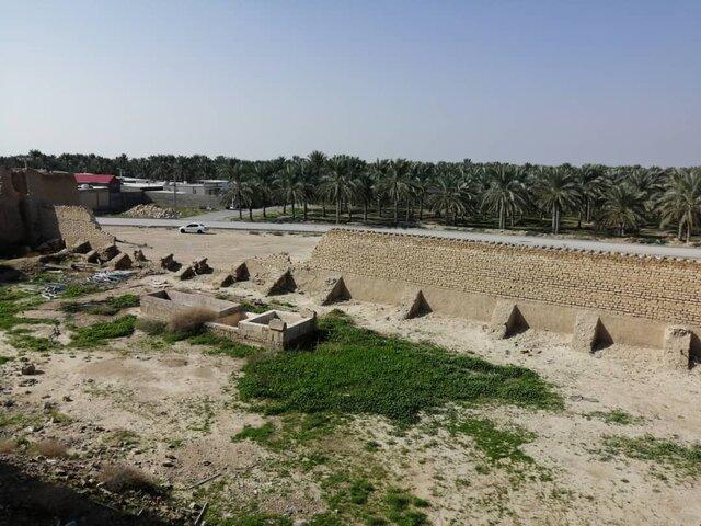 (تصاویر) زلزله بوشهر، قلعه کلات را مجروح کرد