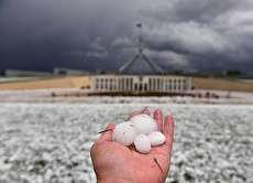 (ویدئو) بارش تگرگ قلوهسنگی و طوفان شن دلهره آور در استرالیا