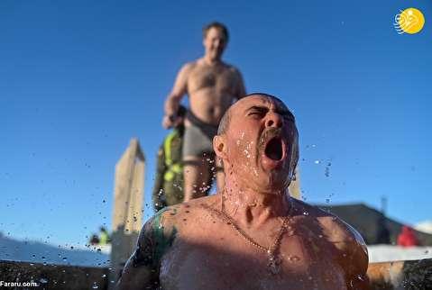 (تصاویر) جشن اپیفانی در آبهای سرد