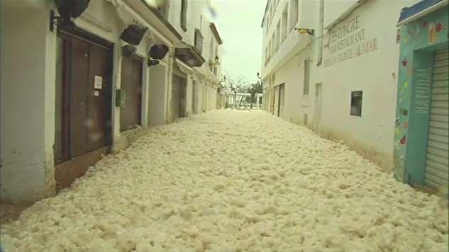 تصاویر جالب از سیل کف در کاتالونیا