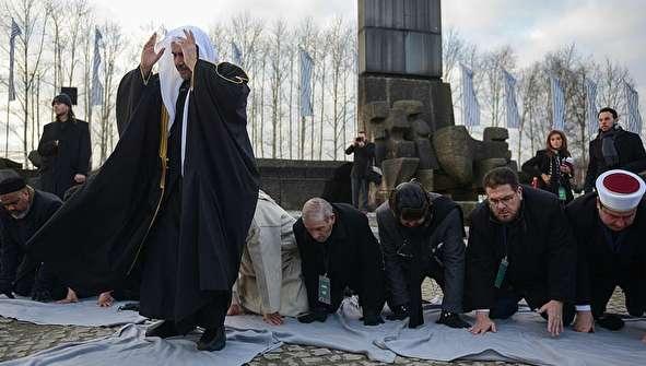 (تصاویر) بازدید مسلمانان از اردوگاه آشویتس