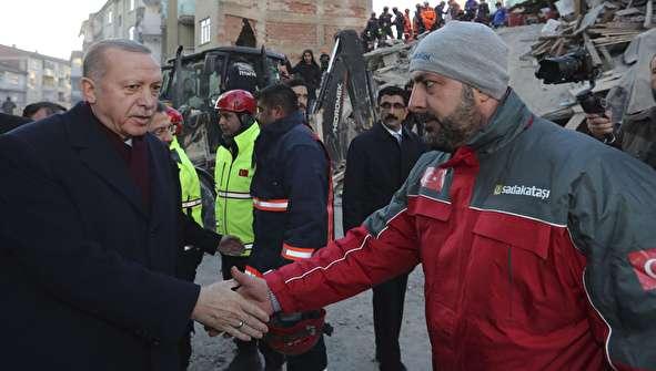 (تصاویر) اردوغان در مناطق زلزلهزده