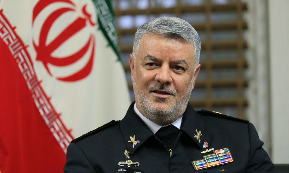 فرمانده نیروی دریایی ارتش: آمریکا منطقه را ترک کند