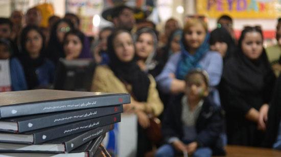 واکنشها به حضور حاشیهساز رامبد جوان در نمایشگاه کتاب