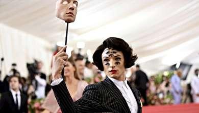 (تصاویر) مراسم مت گالا ۲۰۱۹ با لباسهای عجیب و غیرقابل درک