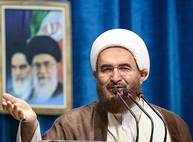 امام جمعه تهران: در شرایطی مثل جنگ احزاب قرار داریم