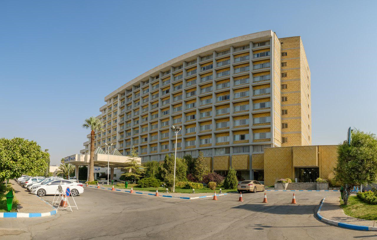 با هتلهای پنج ستاره شیراز آشنا شوید
