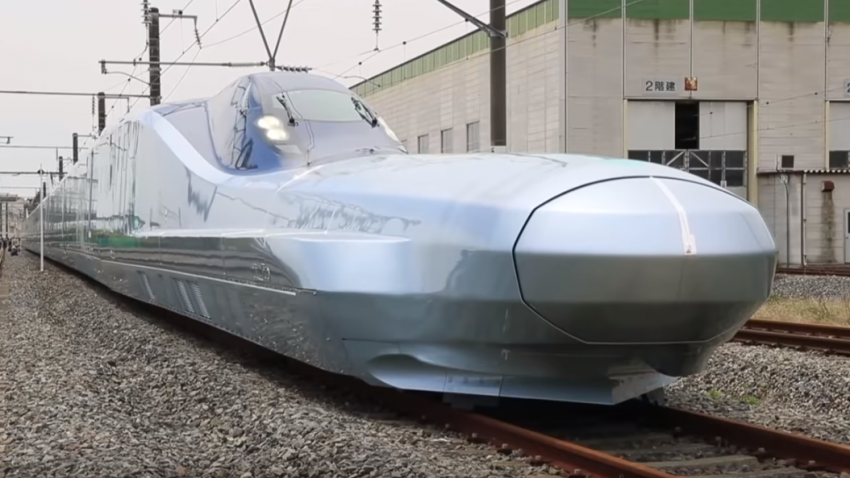 رونمایی از سریعترین قطار جهان؛ سرعت ۳۶۰ کلیومتر در ساعت!