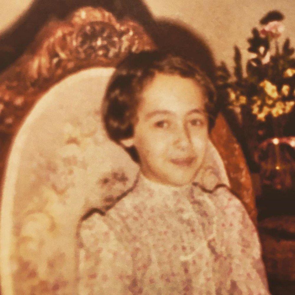 تصویری از کودکی نیکی کریمی به روایت دوربین پدرش