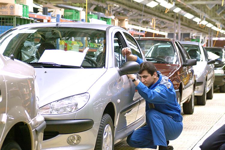 بازگشت شورای رقابت به قیمت خودرو