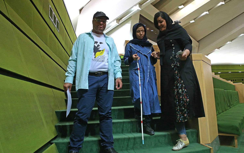 کارگردان «لانتوری» و قربانیان اسیدپاشی در مجلس شورای اسلامی