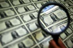 بازار متشکل ارزی چگونه میتواند قیمت دلار را کاهش دهد؟