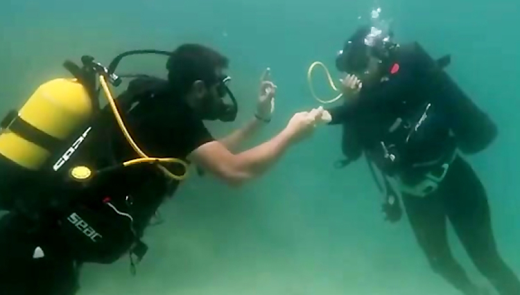 زیر آبی رفتن برای شهرت