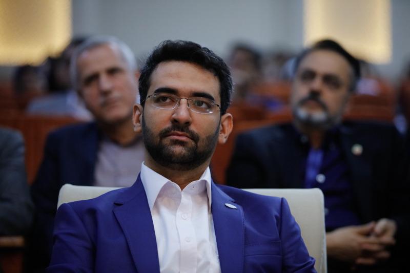 هشدار آذری جهرمی به مسابقات غیرمشروع تلویزیون