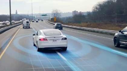 (ویدئو) آزمایش خودروی خودران تسلا در خیابان