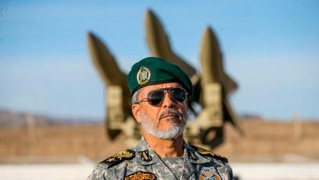 دریادار سیاری: ارتش آماده مقابله با تهدیدات احتمالی است