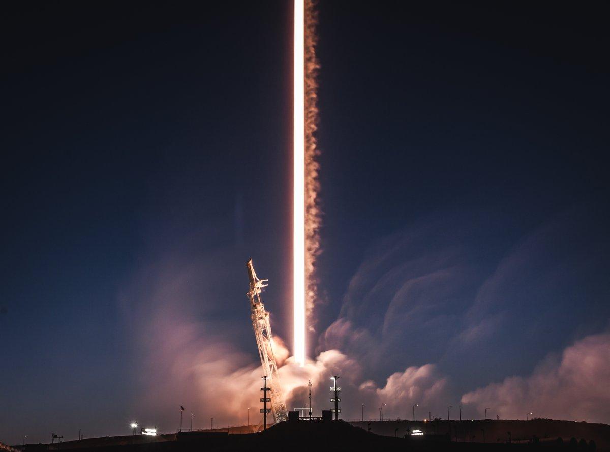 برنامه اسپیسایکس برای توسعه اینترنت ماهوارهای