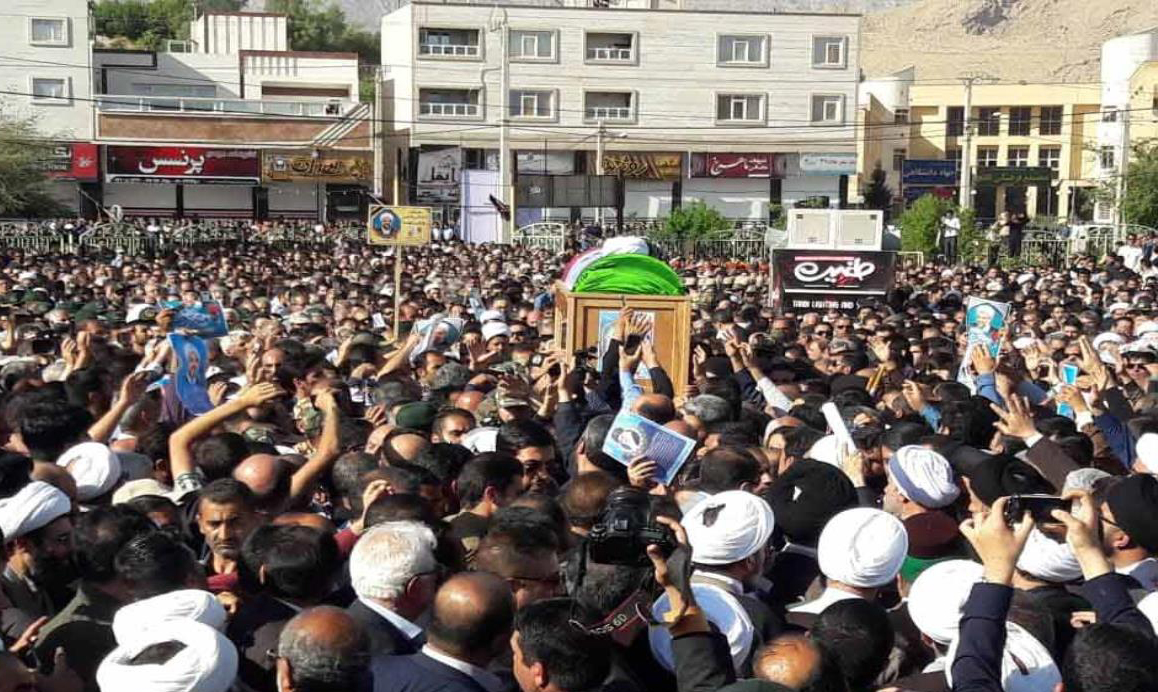 (تصاویر) مراسم تشییع و تدفین امام جمعه شهید کازرون