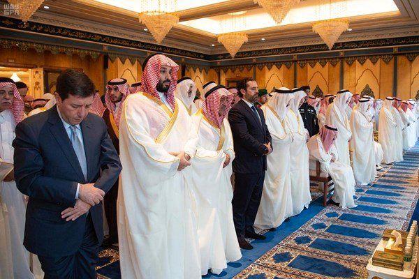 (عکس) نخستوزیر لبنان نماز عید را در کنار شاه سعودی اقامه کرد