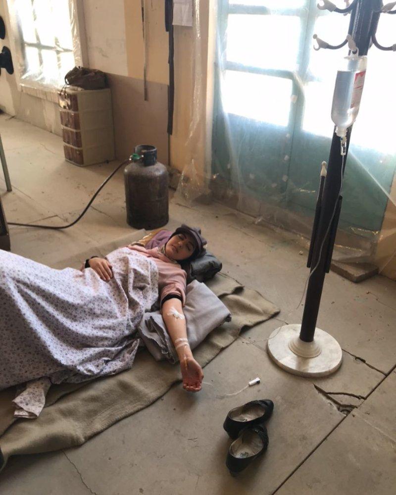 (تصویر) از حال رفتن هلیا امامی در پشت صحنه سریال «از یادها رفته»