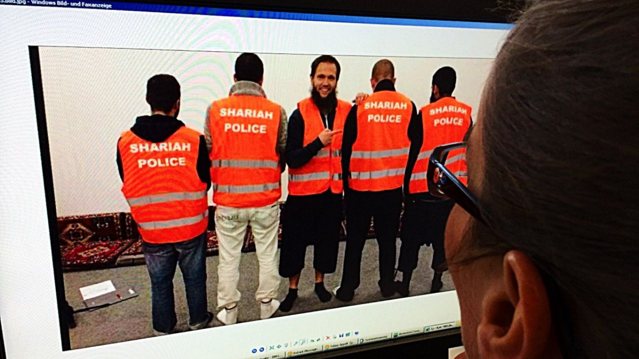 (تصاویر)جریمه گشت ارشاد در آلمان