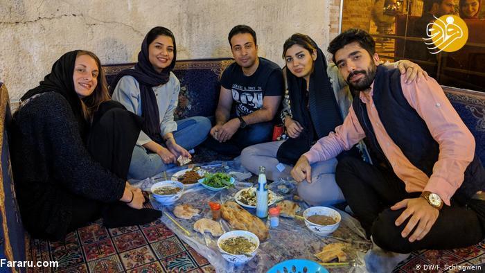 سفرنامه متفاوت دو گردشگر آلمانی در ایران؛ گشت ارشاد، کنسرت در مشهد، ناوآبراهام لینکلن