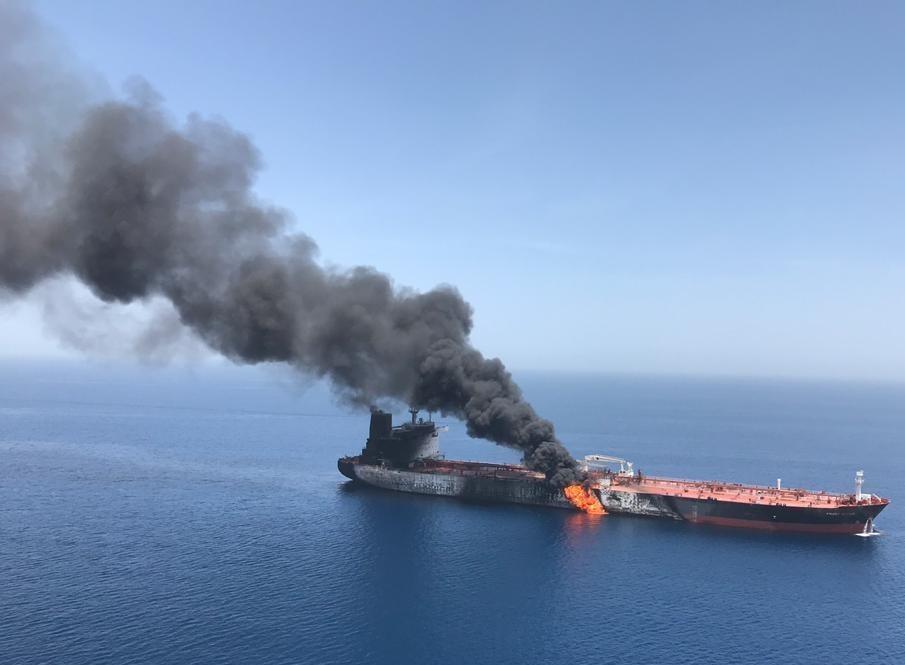 (تصاویر) آتش نفتکش
