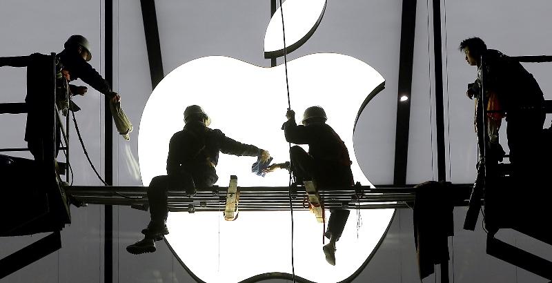 مشکل بزرگ اپل با نامگذاری گوشی جدید؛ آیفون هوی!