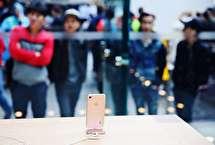 کسی حاضر نیست یک گوشی موبایل جدید بخرد