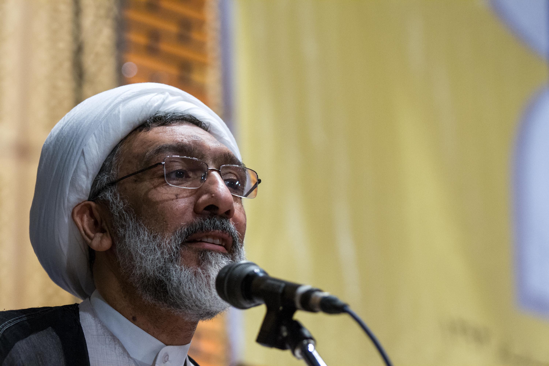 پورمحمدی: قبرستان باید در شهر باشد تا یاد مرگ را حفظ کنیم