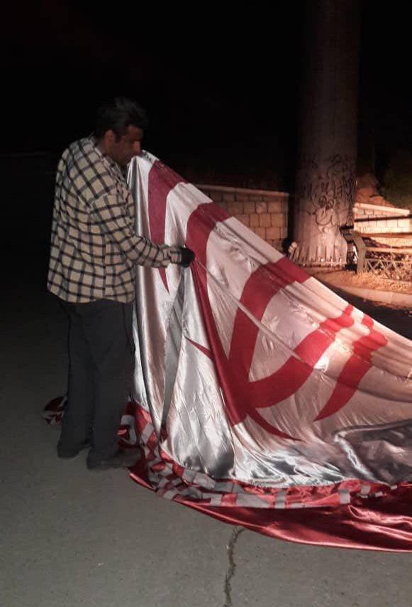 ماجرای پرچم جنجالی در بزرگراه حکیم+عکس