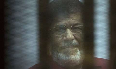 محمد مُرسی بی سر و صدا دفن شد