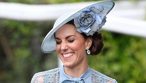 (تصاویر) خانواده سلطنتی با کلاههای عجیب و غریب