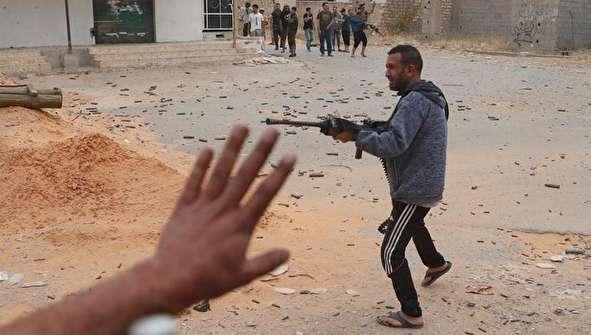 (تصاویر) جنگ مرگبار در لیبی با دمپایی!