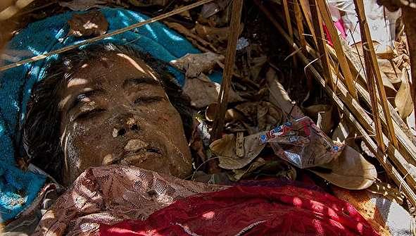 (تصاویر +16) مردگان در این قبرستان دفن نمیشوند!