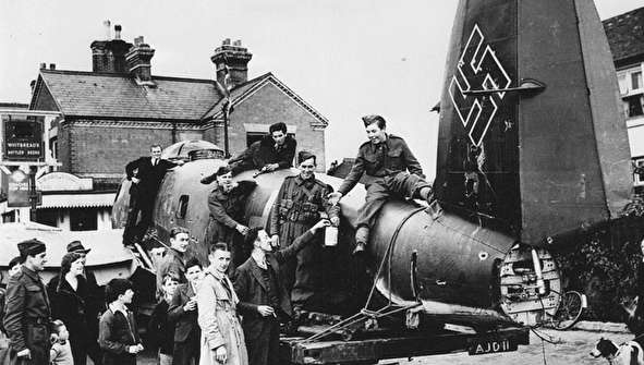 (تصاویر) شکست سنگین نیروی هوایی هیتلر در نبرد بریتانیا
