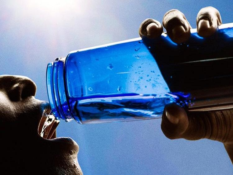 نشانهها و راههای درمان کم آبی بدن