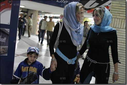 پليس: شايد از سفر افراد بدحجاب در فرودگاه جلوگیری شود
