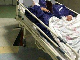 (تصویر) ماجرای عجیب خواباندن ۲ بیمار در یک تخت در بیمارستان دولتی